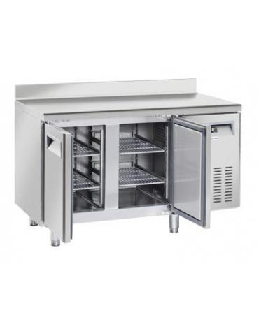 Tavolo refrigerato 2 porte con alzatina, in acciaio inox AISi 304, refrigerazione ventilata - cm 136x60x95h
