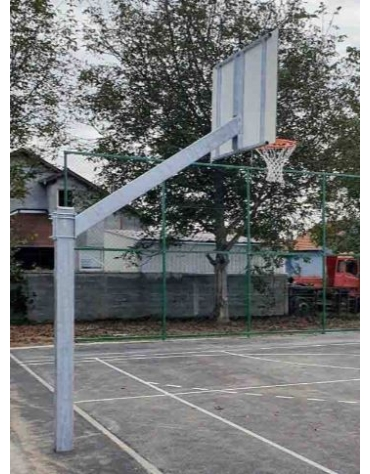 Impianto basket monotubolare con tabelloni resina, sbalzo cm.225.
