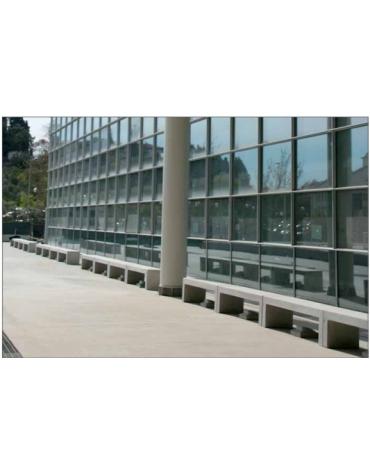 Panchina in cemento bianca piana
