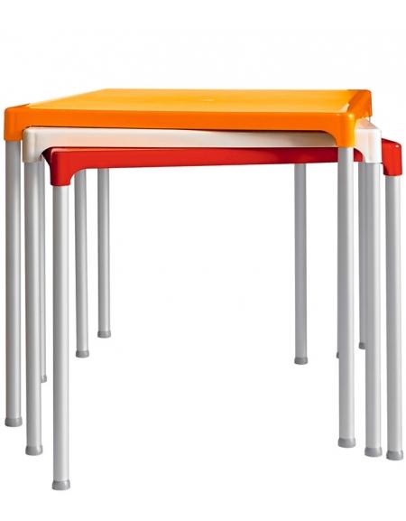 Gambe Per Tavoli In Alluminio.Tavolo Con 4 Gambe In Alluminio E Piano In Polietilene Cm 75x75