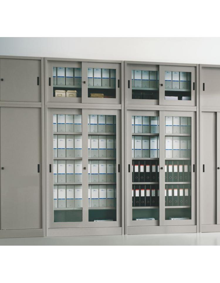 Armadio ante scorrevoli in vetro temperato con serratura for Armadi in metallo con ante scorrevoli