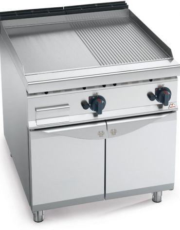 Fry top a gas doppio - Piastra 1/2 Liscia 1/2 Rigata in acciaio - cm 80x90x85/90h