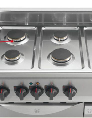 Cucina a gas 6 fuochi MEDIA POTENZA con forno a gas GN 2/1 - cm 120x70x85/90h