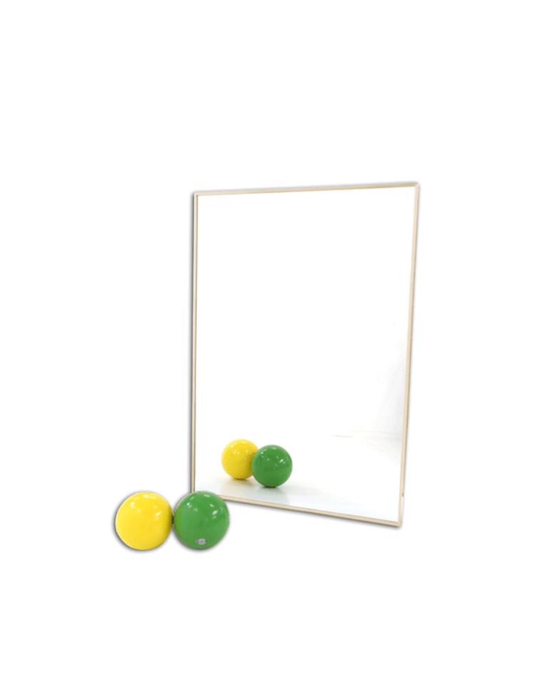 Specchio quadrettato di cristallo temperato con reticolo - Costo specchio al mq ...
