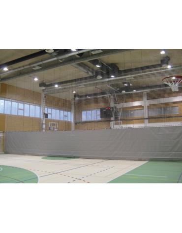 Tenda divisoria realizzata in materiale sintetico ignifugo combinata per campi gioco