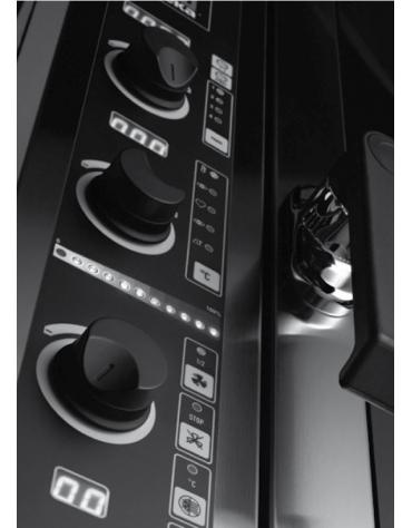 Forno elettrico ventilato a convezione con vapore diretto - Pannello elettronico -Capacità 11 Teglie GN 1/1