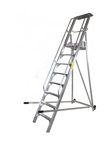 Scala a palchetto a 8 gradini con pedana di lavoro 7+1, altezza piano cm 200