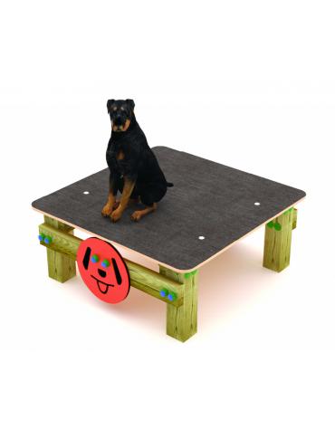Dog table per cani - pali portanti in pino nordico, superficie di calpestio in Carplay - cm 90x90x39h