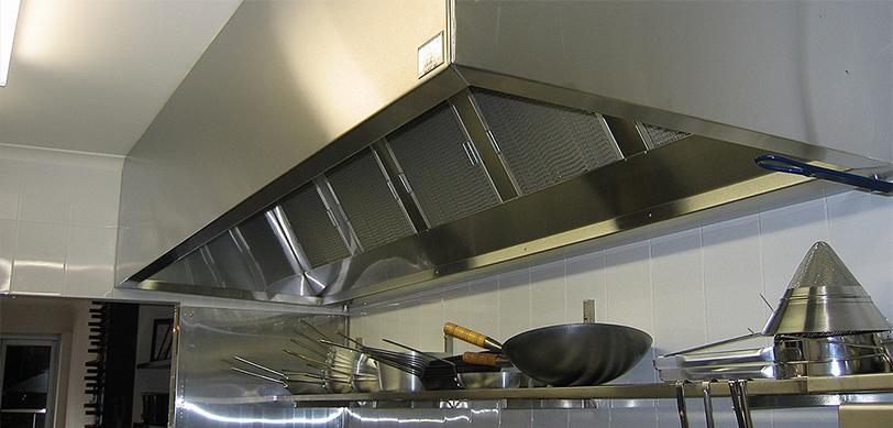 La Bonta Dell Aria Di Una Cucina Professionale La Fa La Cappa Aspirante Dina Forniture